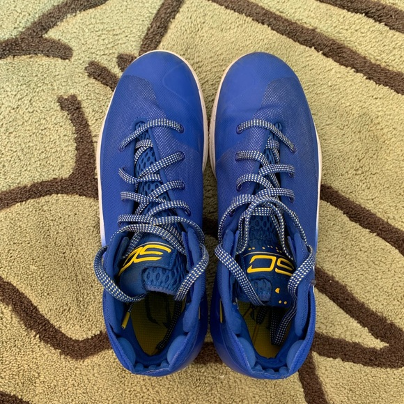 currys basketball shoes